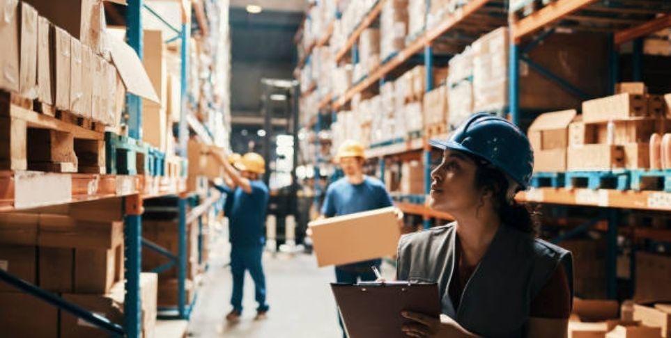 warehouse operative manpower